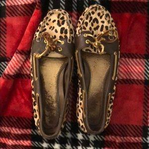 Leopard sperry s!